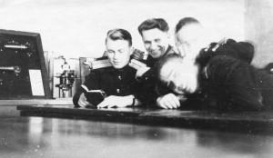 Подготовка к полётам, изучение НПП. Костров (слева) , В. Семенченко и Е.Смирнов и..., 4гв. иап, Мамоново, 1956