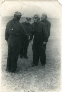 Поздравление к-ра полка полковника Богданова с первым самостоятельным  полётом на МИГ-15, Ейск, 1954